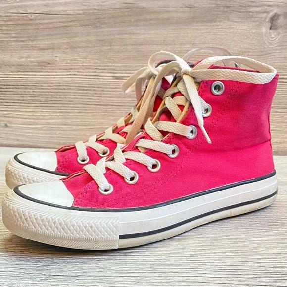 Hot pink high top converse all star chucks size 6